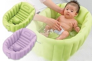 Tempat mandi bayi sebaiknya terbuat dari bahan plastik
