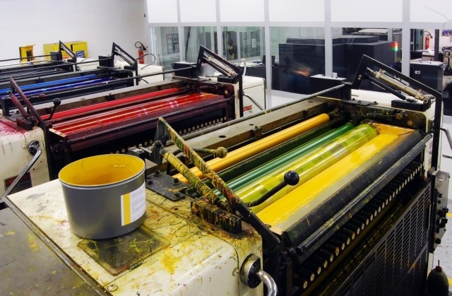 mengenal-tinta-untuk-offset-printing-yuk