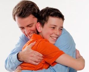 mendidik anak laki dengan kasih sayang